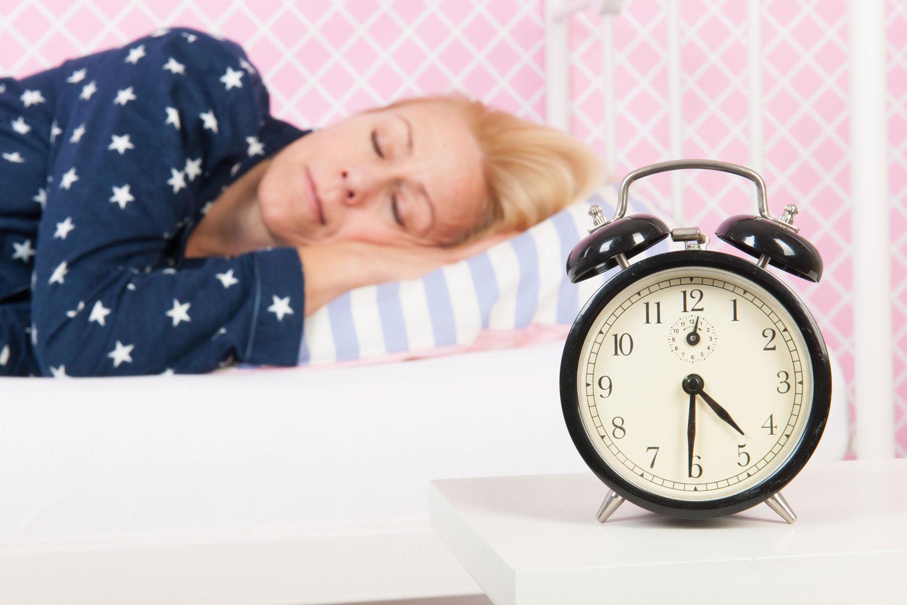 Was Sollte Man Tun Wenn Nicht Schlafen Kann Unterschiedliche Gedanken Zu Lange Im Kopf Kreisen Und Sich Entspannen